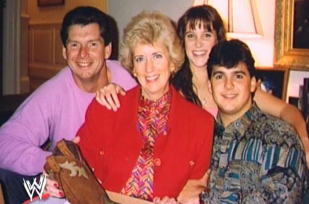 An old photo of Vince, his wife Linda, daughter Stéphanie and son Shane