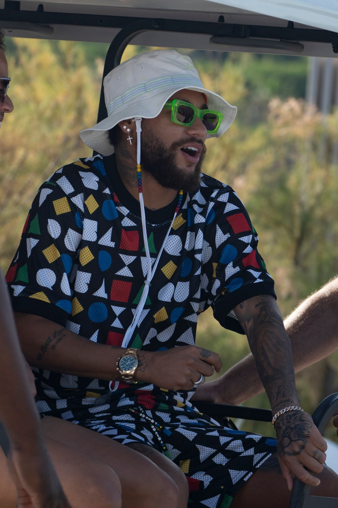 Neymar wears outrageous matching shirt and shorts in St Tropez ...