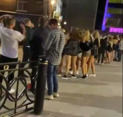 There were long lines in front of Switch on Saturday night