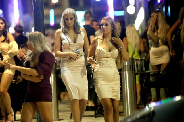 These girls in white dresses made the most of their evening out