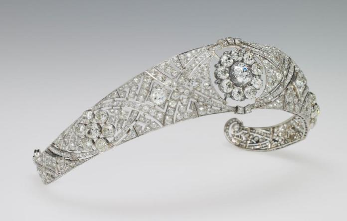 Queen Mary's diamond headband, photo