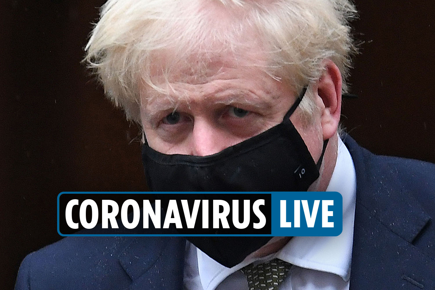 Coronavirus UK news – SAGE expert warns of 'tough Xmas' but says vaccine in spring will be 'light at end of tunnel'