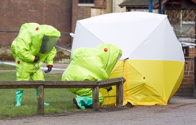 Cops investigated the nerve agent that poisoned five people in Salisbury