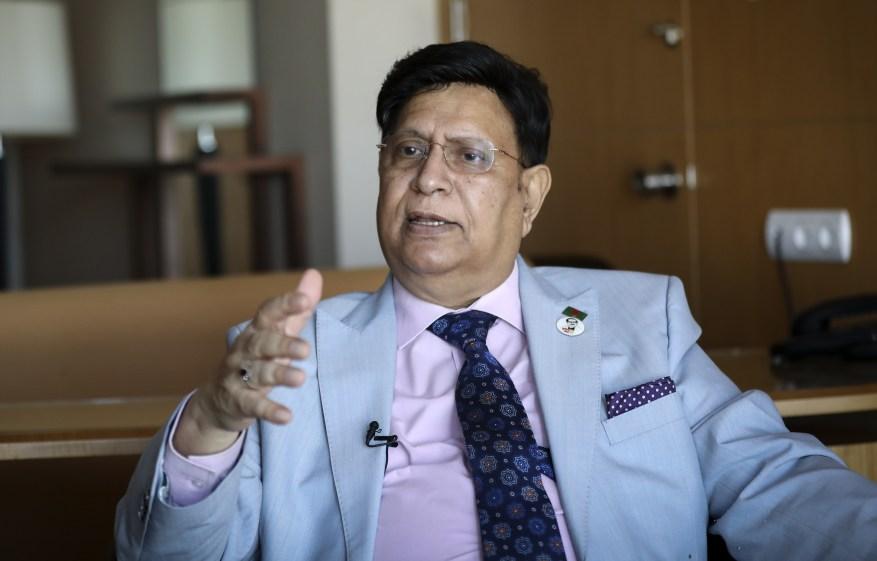El ministro de Relaciones Exteriores de Bangladesh, Abdul Momen, dijo que Begum podría ser ahorcada por apoyar el terrorismo si iba al país.
