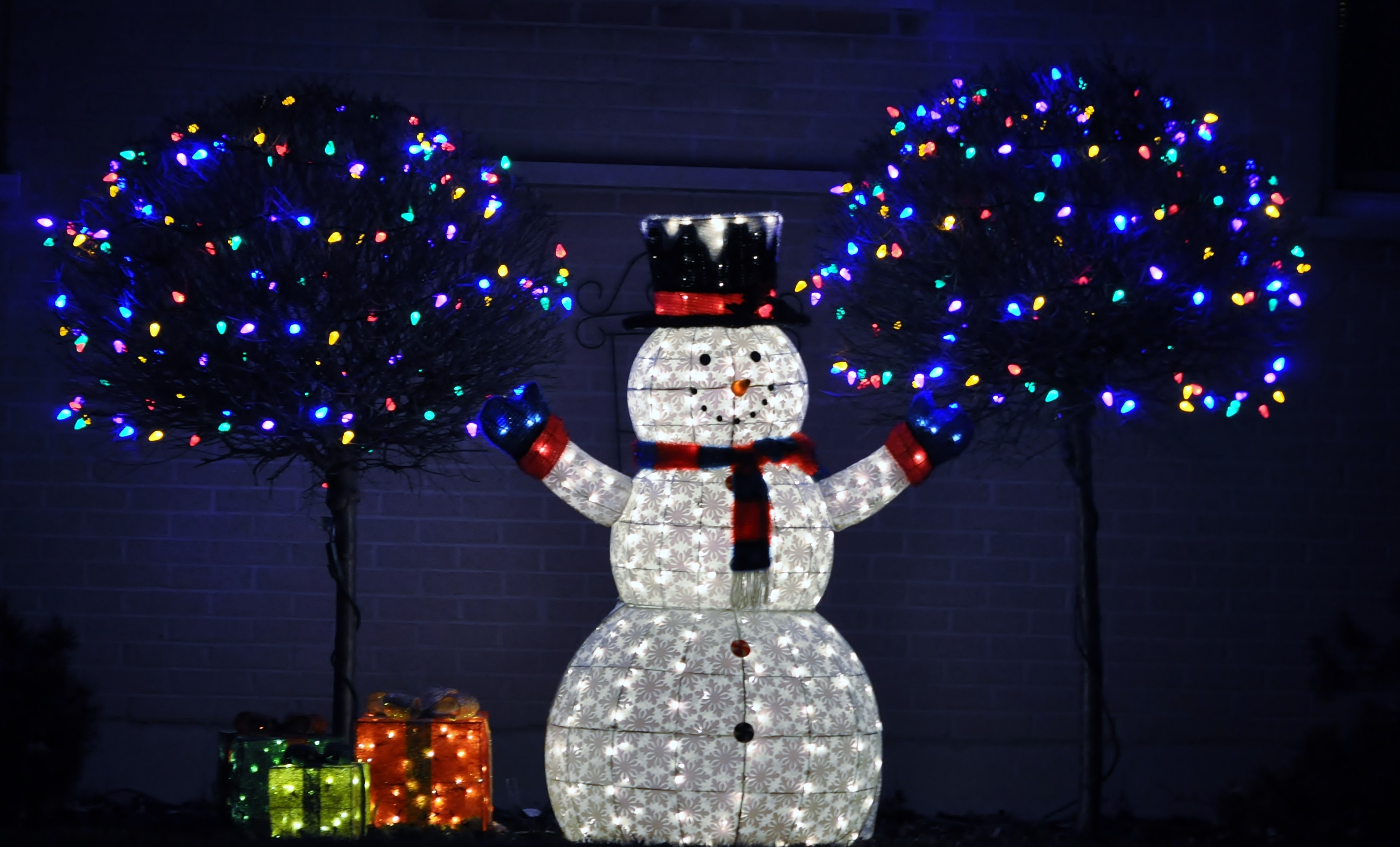 Look on the bright side with our cash-saving deals on Christmas decorations