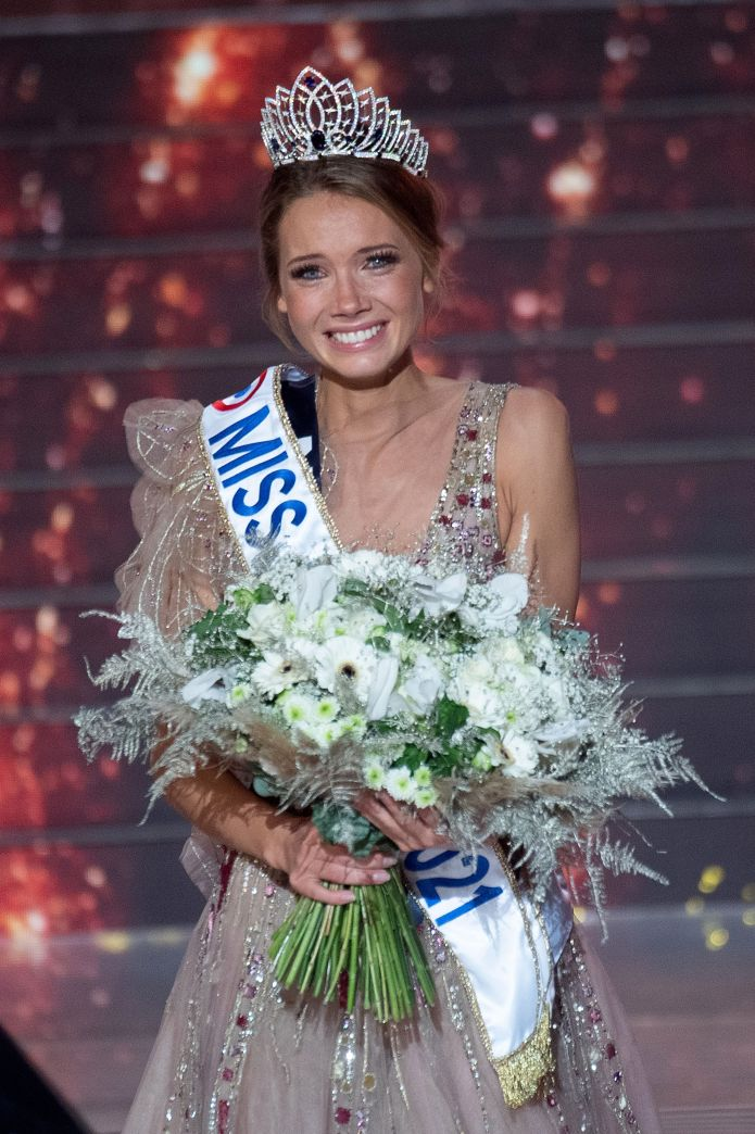 As Miss France, Petit should represent France at Miss World 2021 or Miss Universe 2021