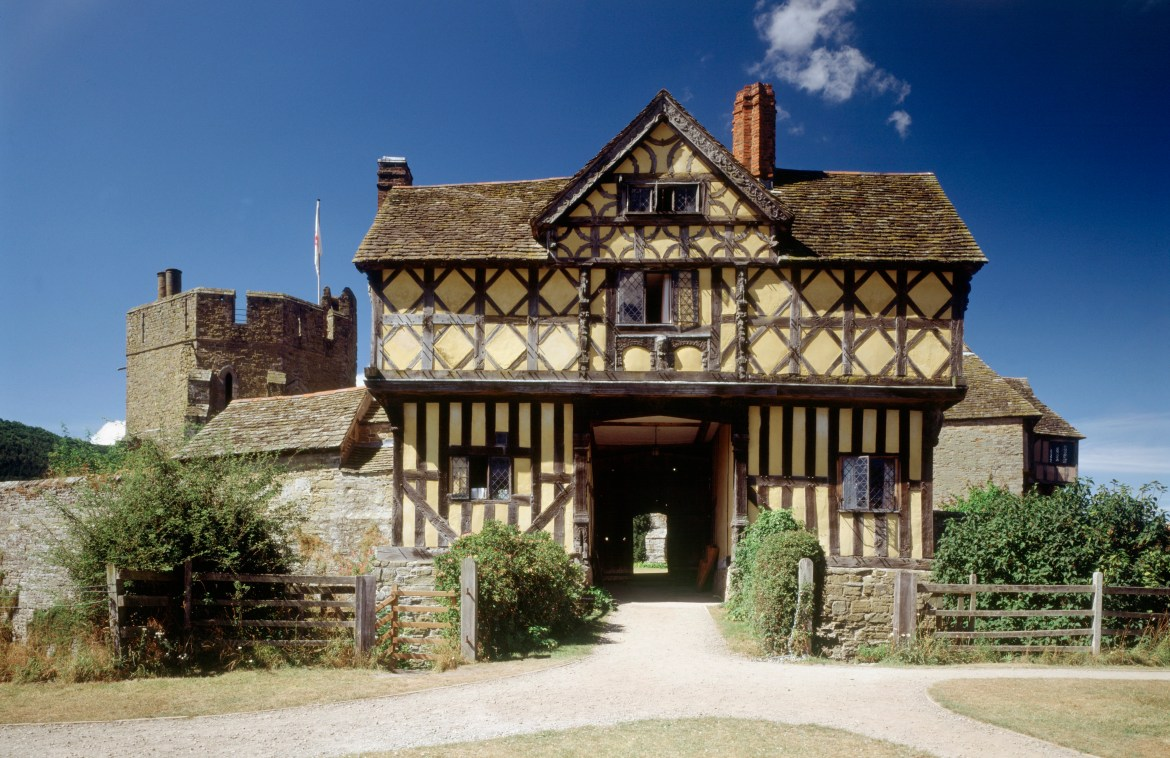 In Shropshire Hills, you will get the chance to see the breathtaking 13th century Stokesay Castle
