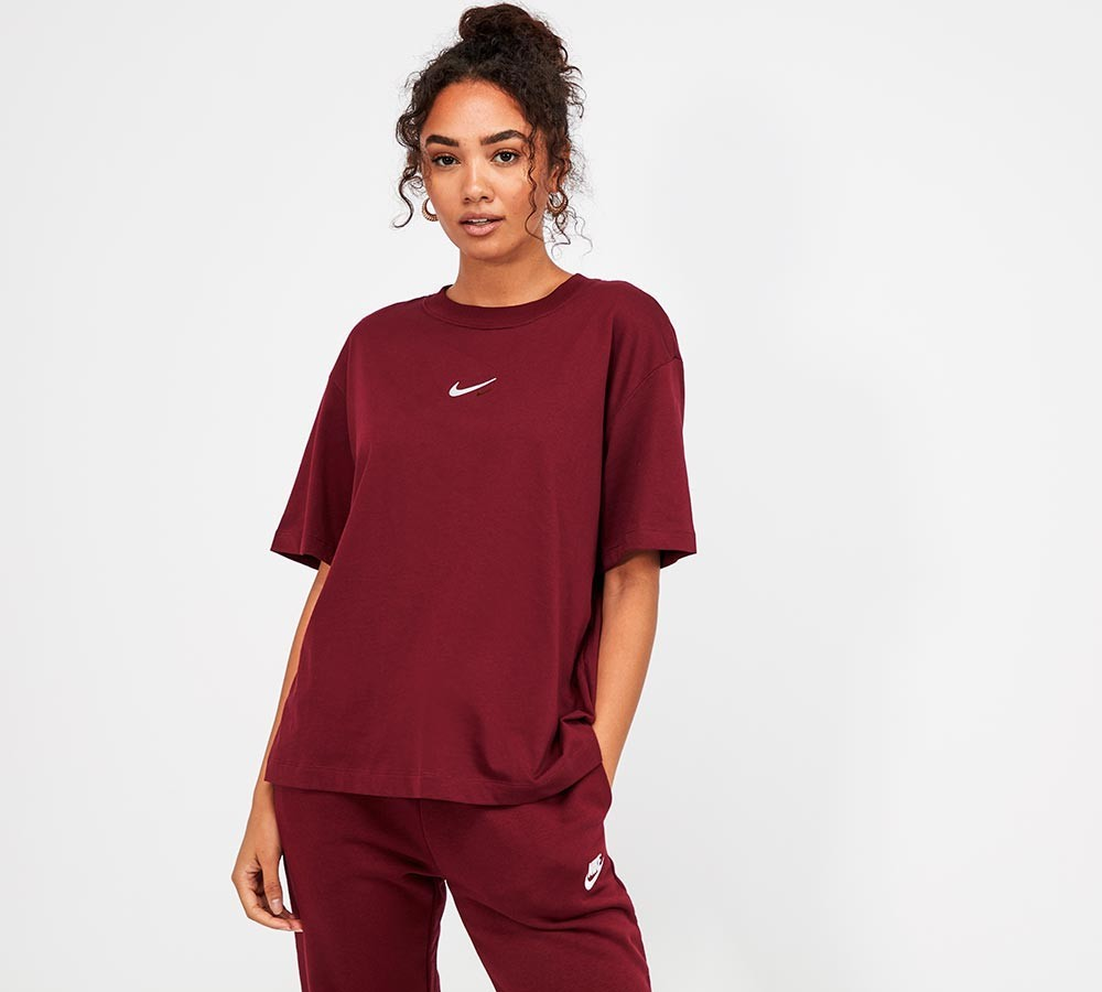 This Nike women's essential boxy short-sleeve T-shirt is only £22.99 on footasylum.com
