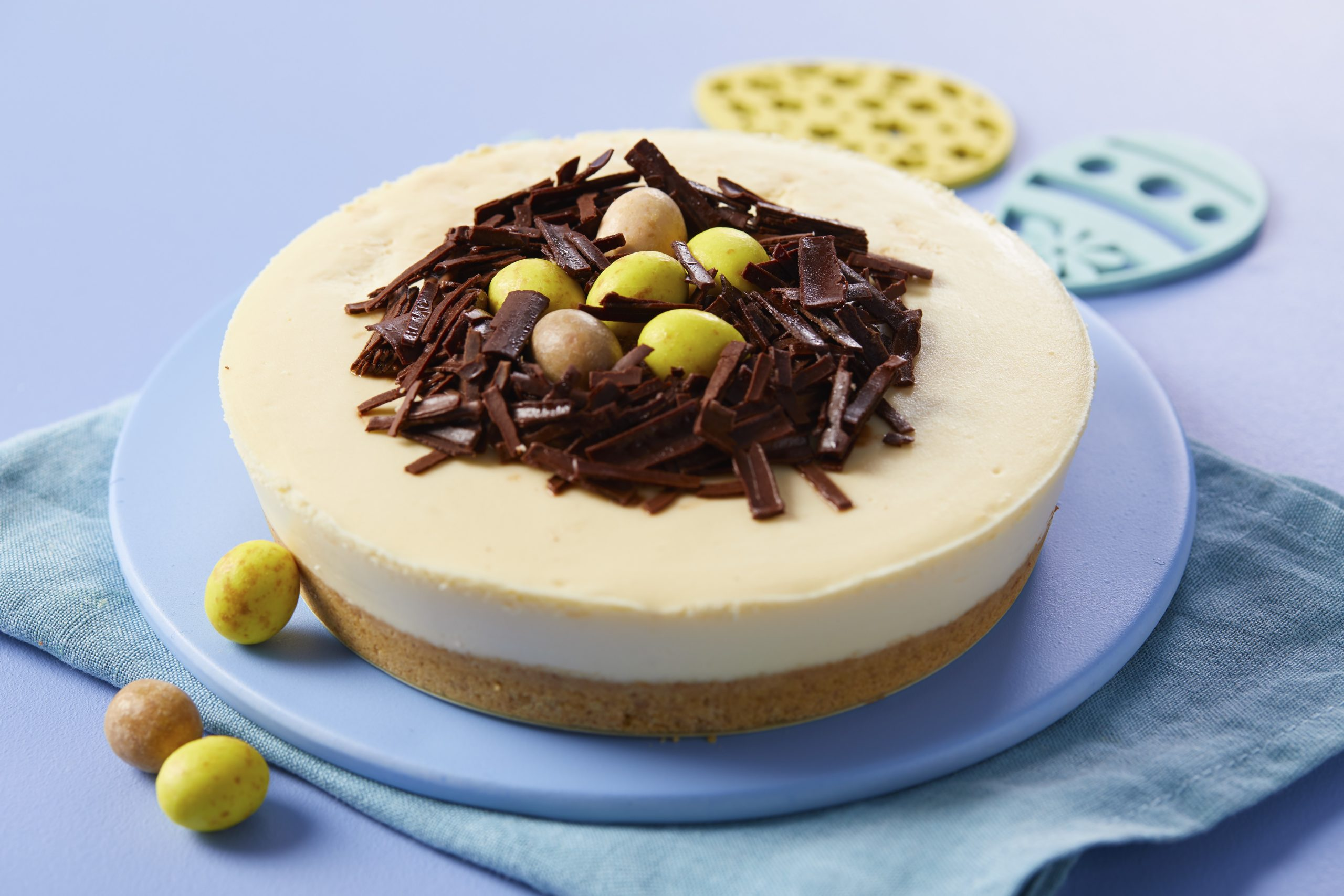 The cheesecake comes in chocolate or vanilla