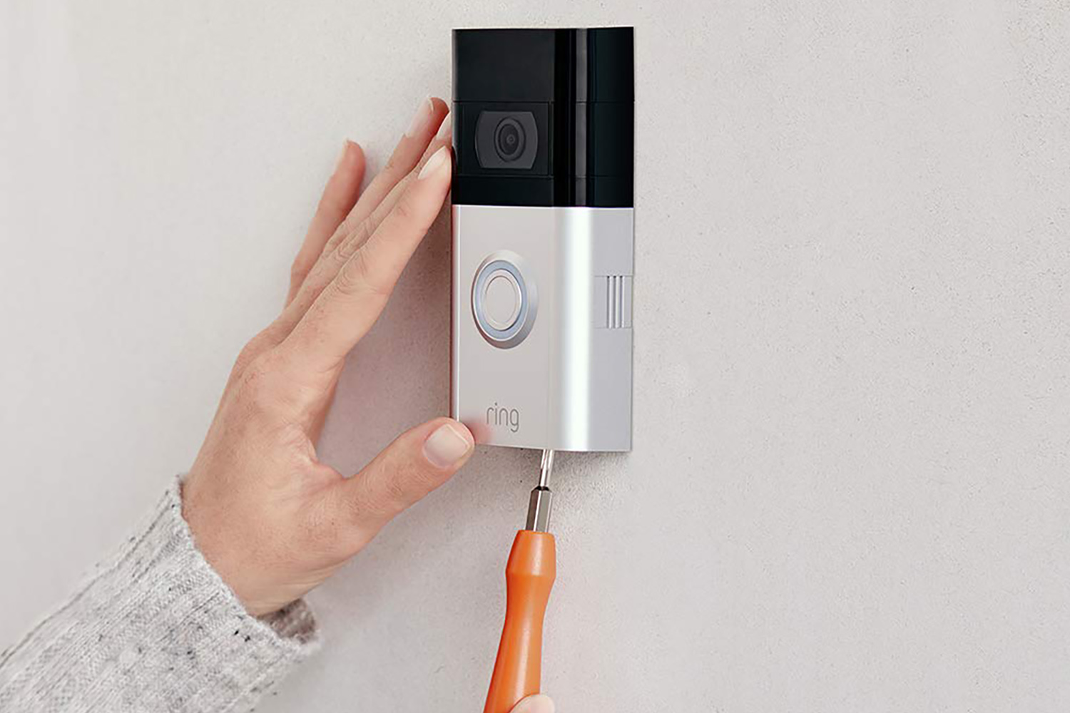 The doorbell is easy to install