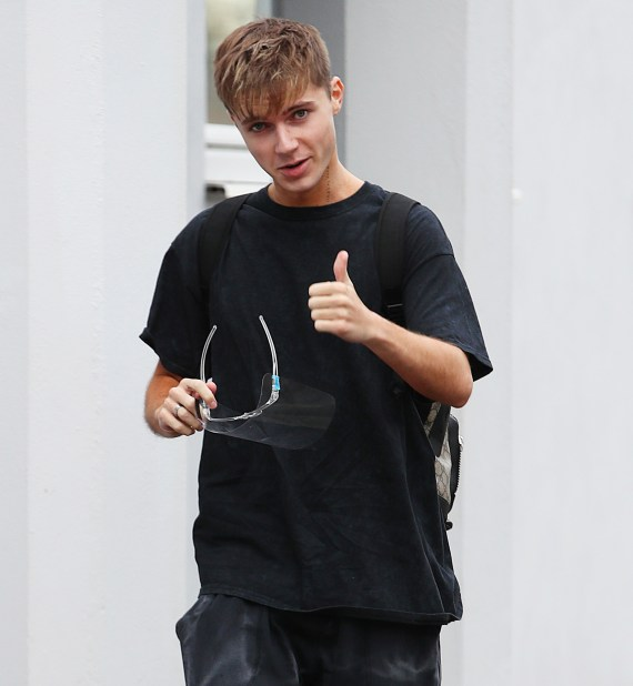 HRVY – real nam Harvey Leigh Cantwell – is using a celebrity dating app