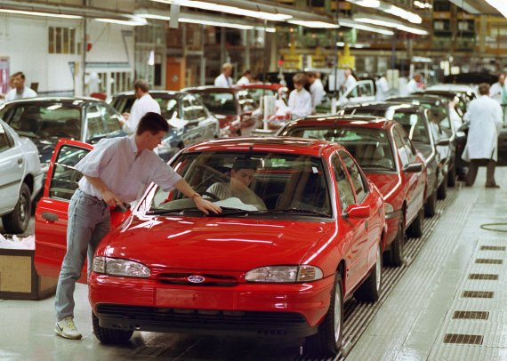 Ford has announced they will end production of the Mondeo next year after 29 years