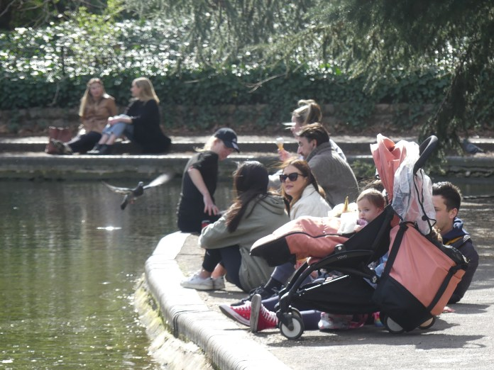 Londoners took advantage of the warm weather yesterday