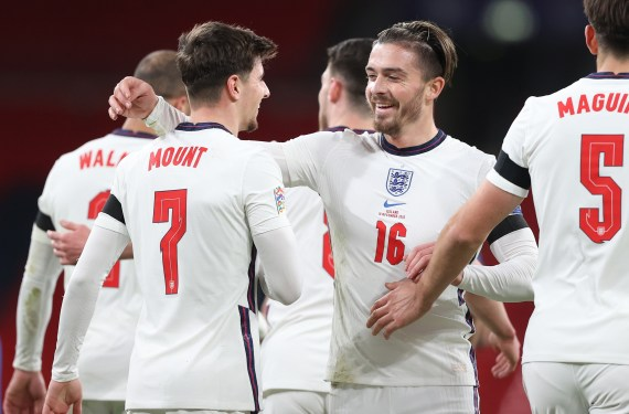 Mount is full of admiration for his England colleagues