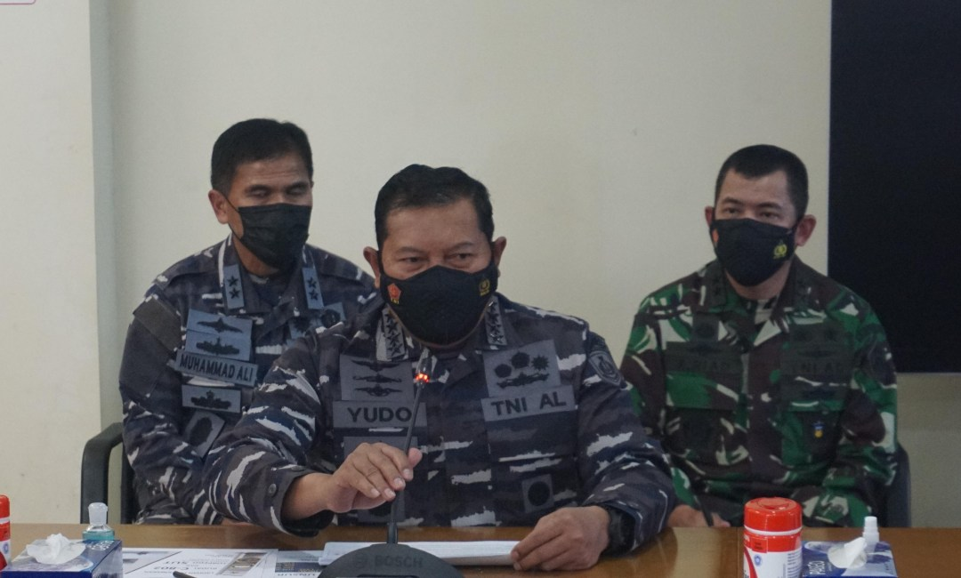 Navy chief of staff Yudo Margono previously said there was enough oxygen until Saturday