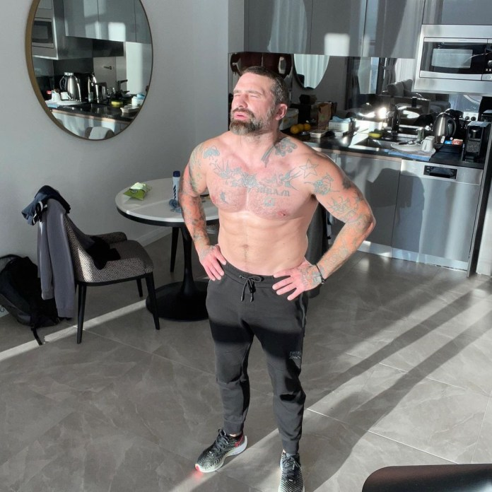 Ant Middleton got his sweat on in his hotel room during his stint in Australian quarantine