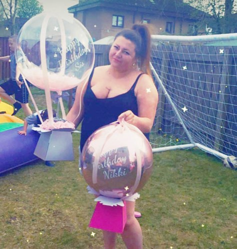 Nikki Walker's mother Carol, 69, gifted her a balloon with ten £10 notes attached for her 37th birthday