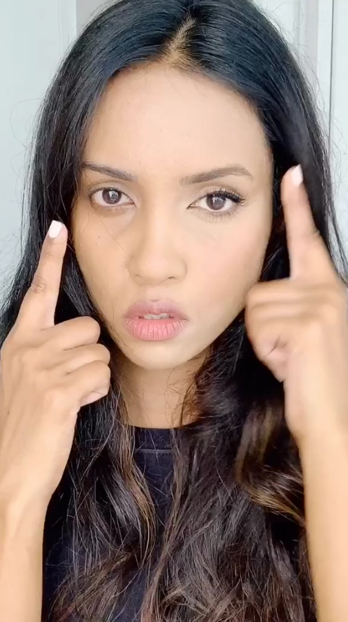 One contouring expert has revealed how to use concealer to create an instant facelift