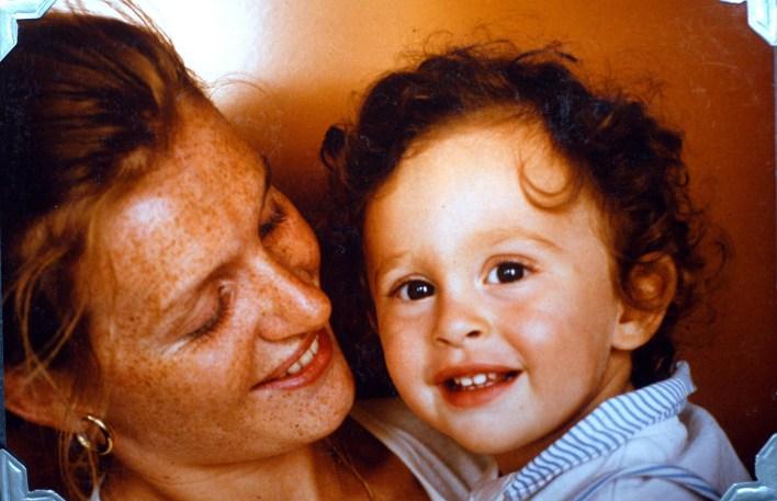 Pierre-Louis sonunda annesinin trajik ölümünün hikayesini anlattı