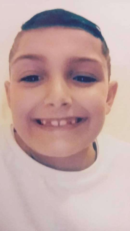 Dylan fue encontrado tirado en un camino cerca de un campo de rugby en Gales en mayo del año pasado.
