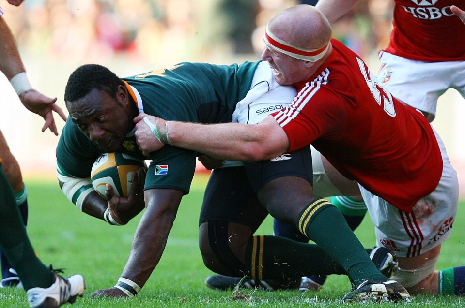 Tendai Mtawarira famously dominated a 2009 clash with the Lions