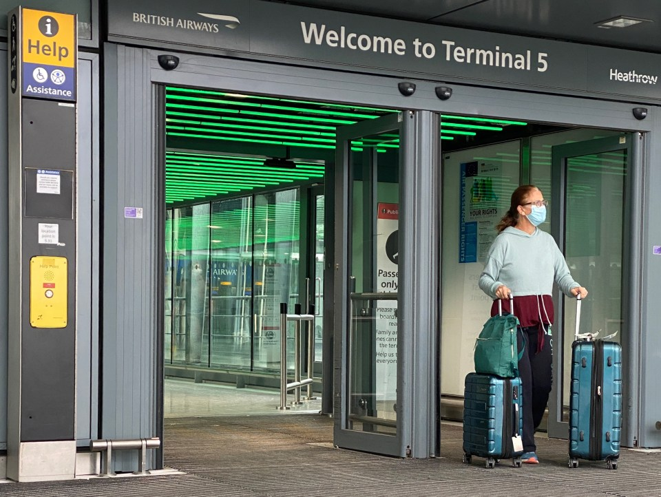 Heathrow Airport is introducing a £5 drop-off charge from October