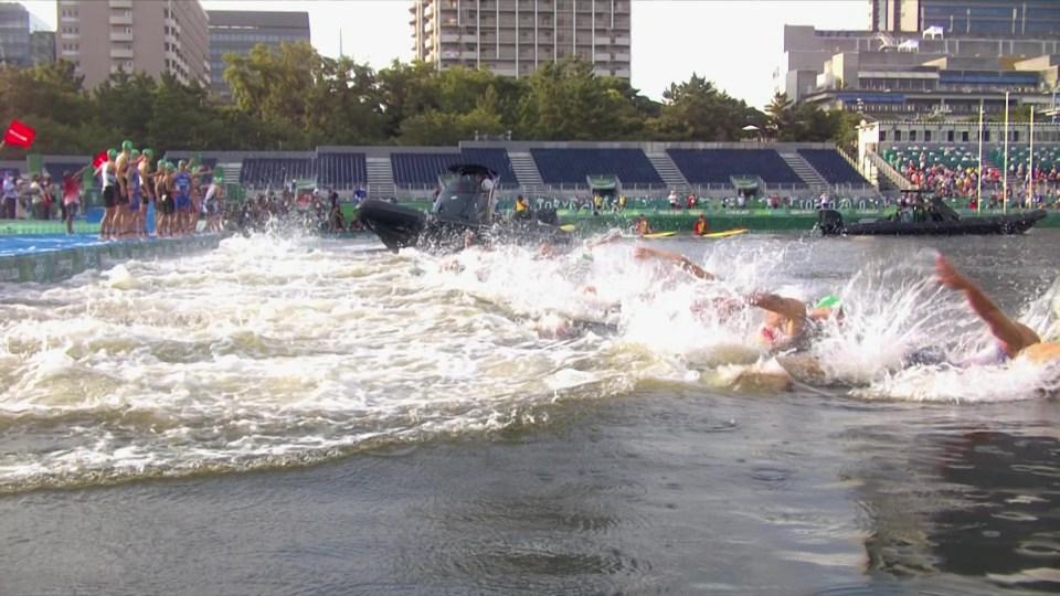 Many athletes were left stood on the platform with a boat in the way