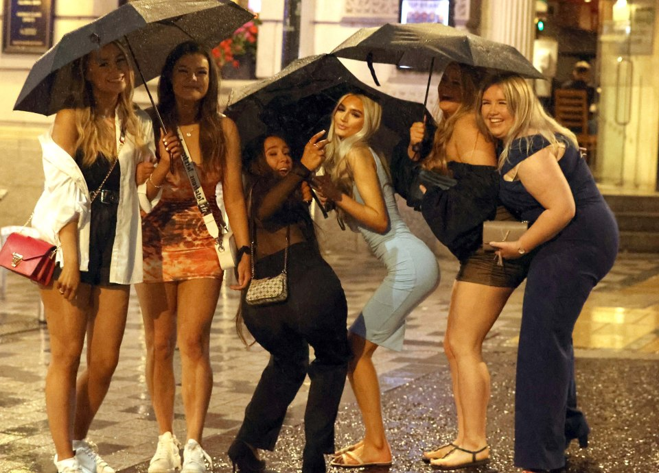 A group of friends in Leeds braved Storm Evert as they enjoyed their Friday night