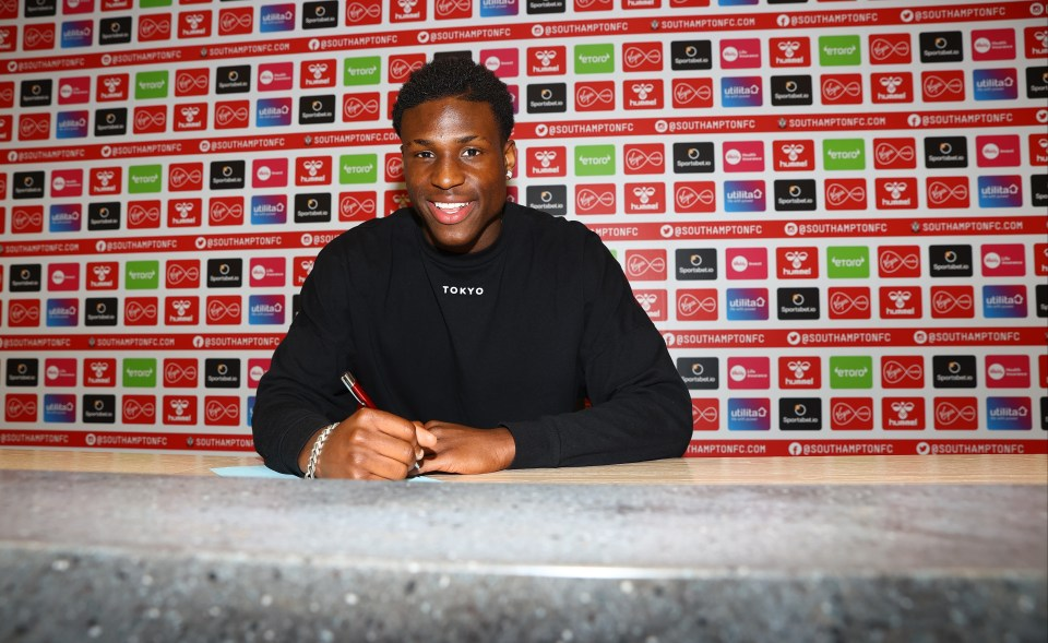 Small has signed a contract that will keep him at St Mary's until 2024
