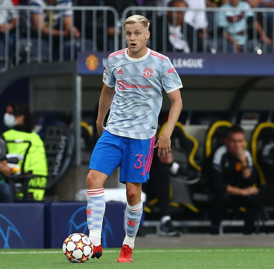 Man Utd fans joke 'he's done more than Donny van de Beek' as streaker  interrupts Young Boys loss