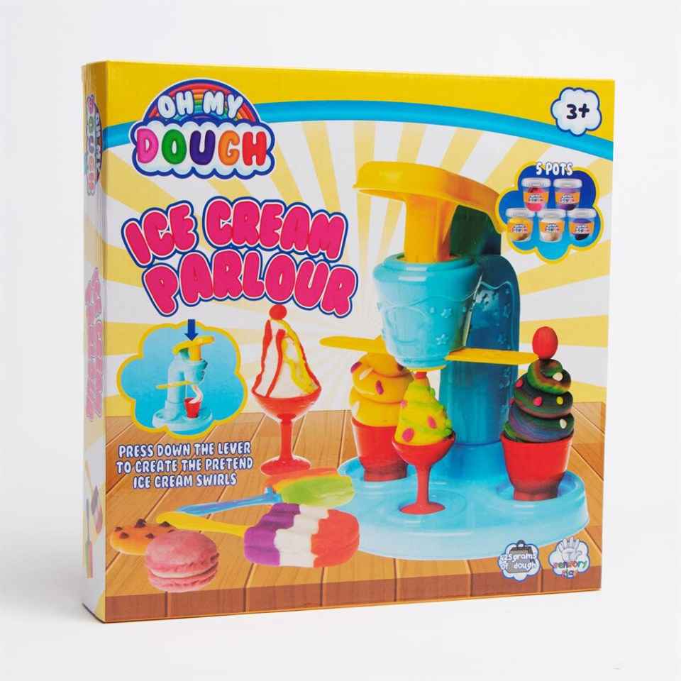 Oh My Dough's similar Ice Cream Parlour Kit is just £5.99 at Home Bargains