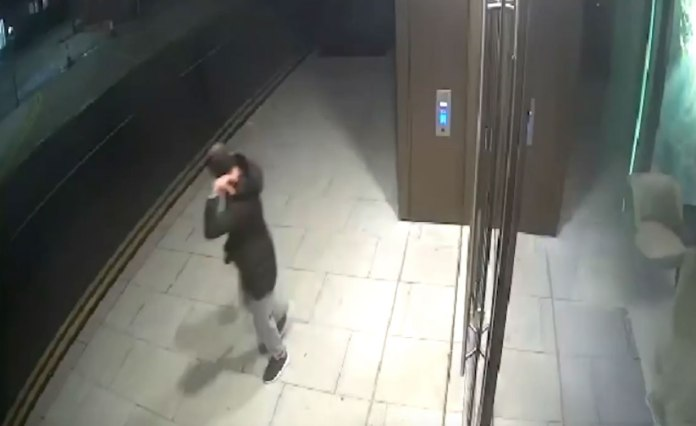 Police have released CCTV of the person who wants to talk to who was in that area