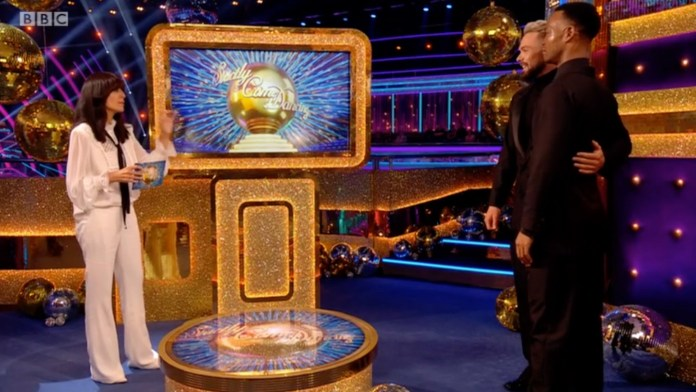 Claudia later talks about Johannes' moment on the dancefloor
