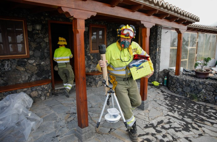 Firefighters warn they are powerless to stop relentless lava flow