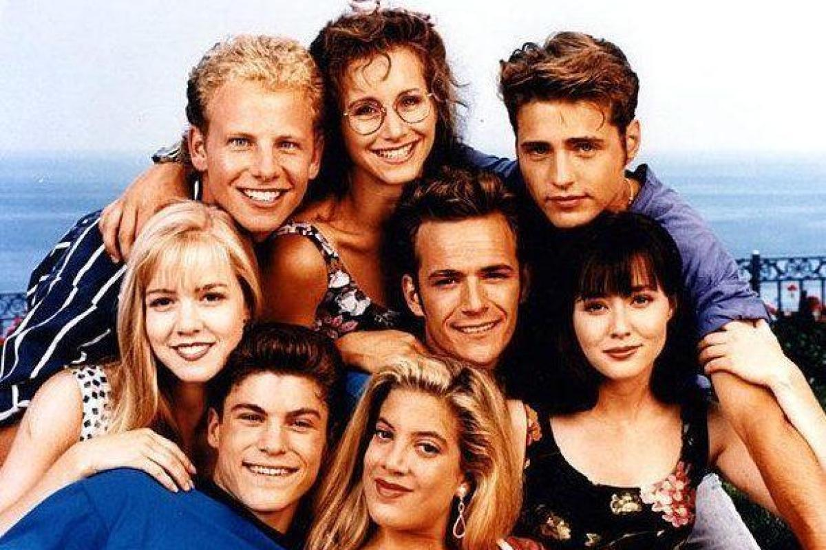 Beverly Hills 90210 cast reunite for meeting about ANOTHER