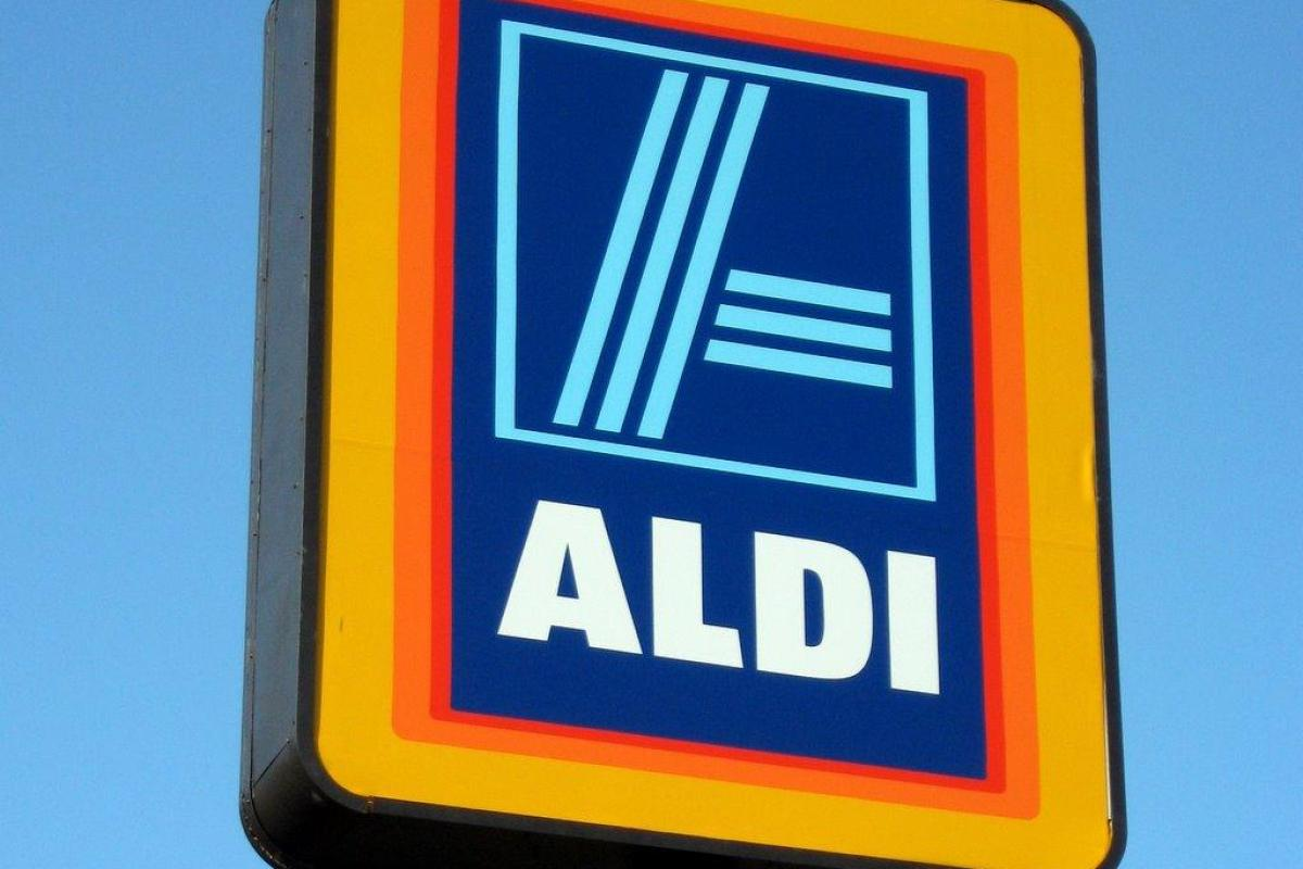 1ecfd50bdd Get ready to hit slopes with Aldi Ireland s collection of high performance  skiwear - and prices start at just €4.49