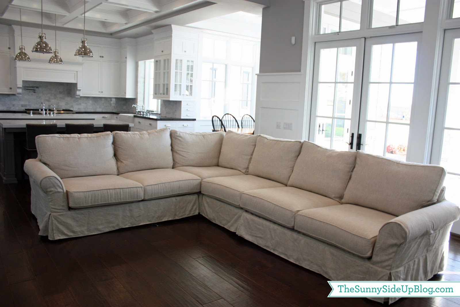 Comfortable Couches Family Rooms