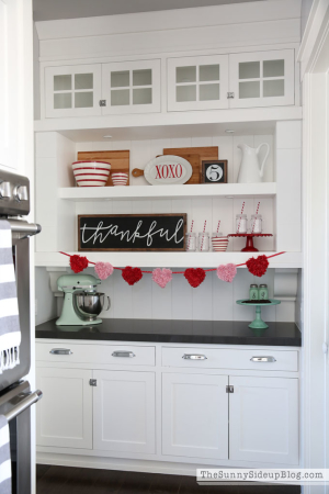organized-butler's-pantry