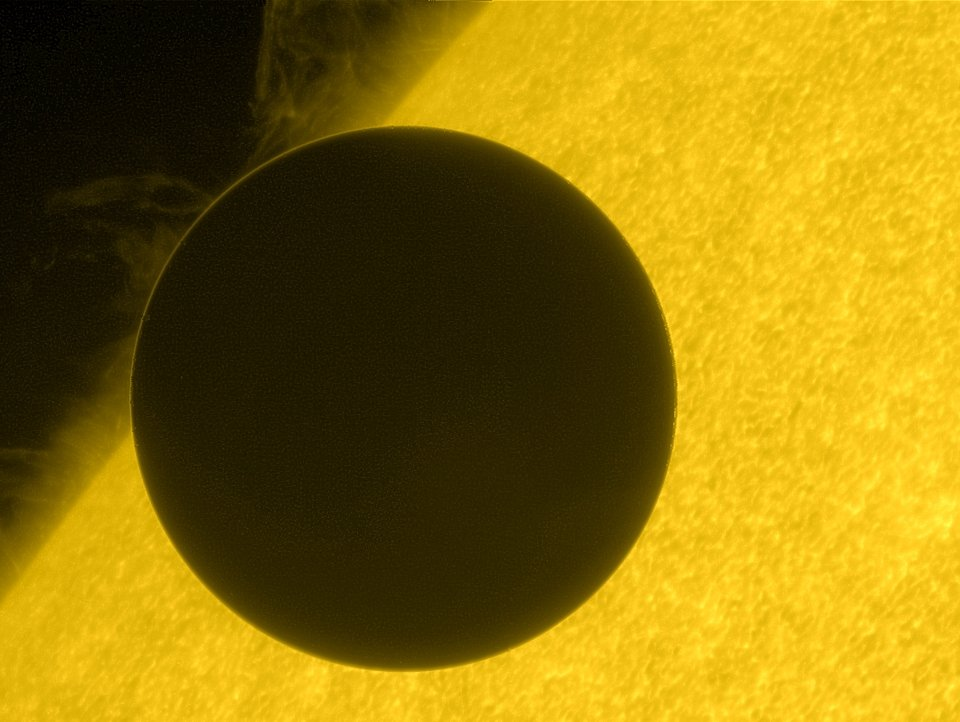Hinode view of the 2012 Venus transit