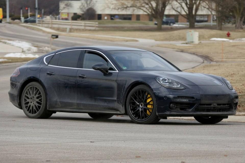 2017 Porsche Panamera caught testing in the US-1