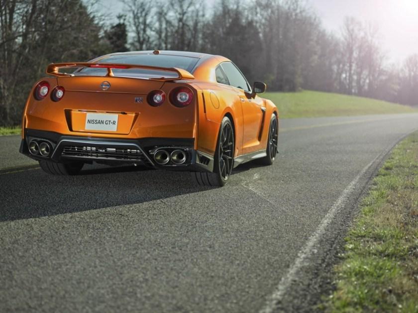 2017 Nissan GT-R Facelift- 2016 NY Auto Show-3