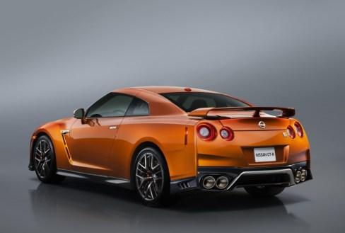 2017 Nissan GT-R Facelift- 2016 NY Auto Show-5