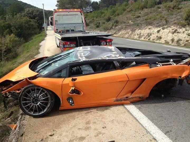 Lamborghini Bicolore Crash in France-2