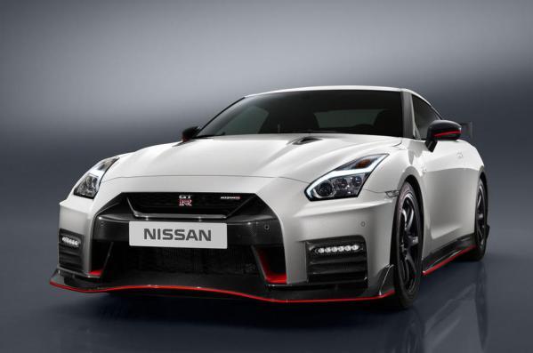 2017 Nissan GT-R NISMO-1