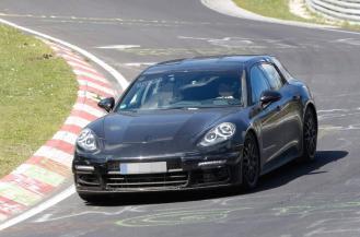 2017 Porsche Panamera Sport Turismo spy shots-3