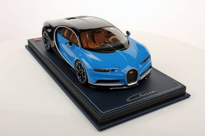 Bugatti Chiron scale model-MR Collector Models-1