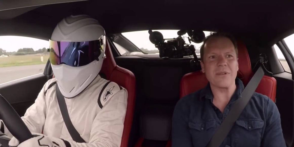 The Stig vs Acura NSX at Top Gear test track