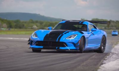 chris-harris-drives-a-dodge-viper-acr