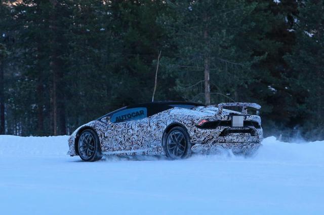 Lamborghini Huracan Performante Spyder spy shots-winter-test-2