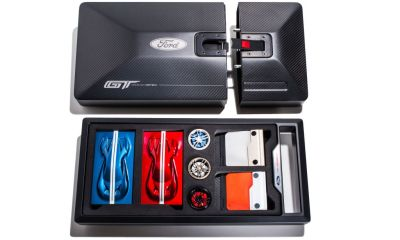 What's inside a Ford GT Order kit-1